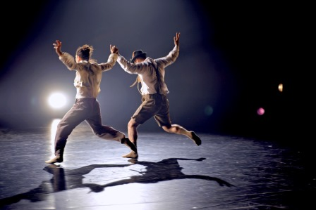 two-completely-different-angles-of-the-same-fucking-thing-part-of-barbarians-performed-by-hofesh-shechter-company-photographer-gabriele-zucca-2015